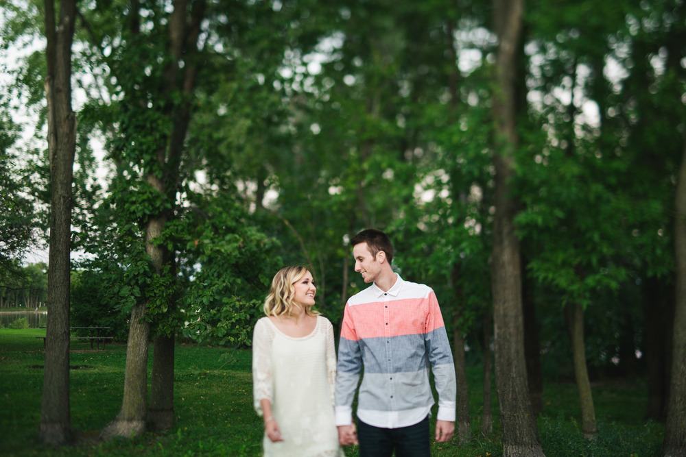 Lake Calhoun Engagement Session (30 of 31).jpg
