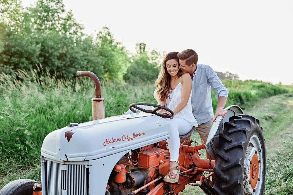Strawberry-Farm-Engagement-Session-Alexandria-Minnesota-Outdoor_0198.jpg
