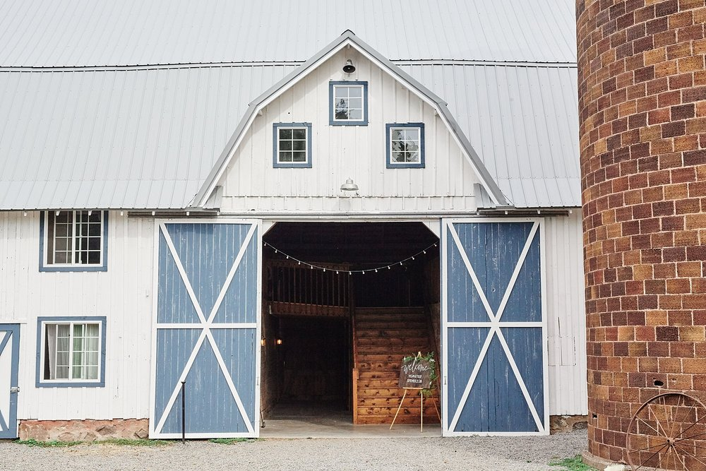 Bloom-Lake-Barn-Wedding-Schafer-Minnesota-Outdoor_0231.jpg