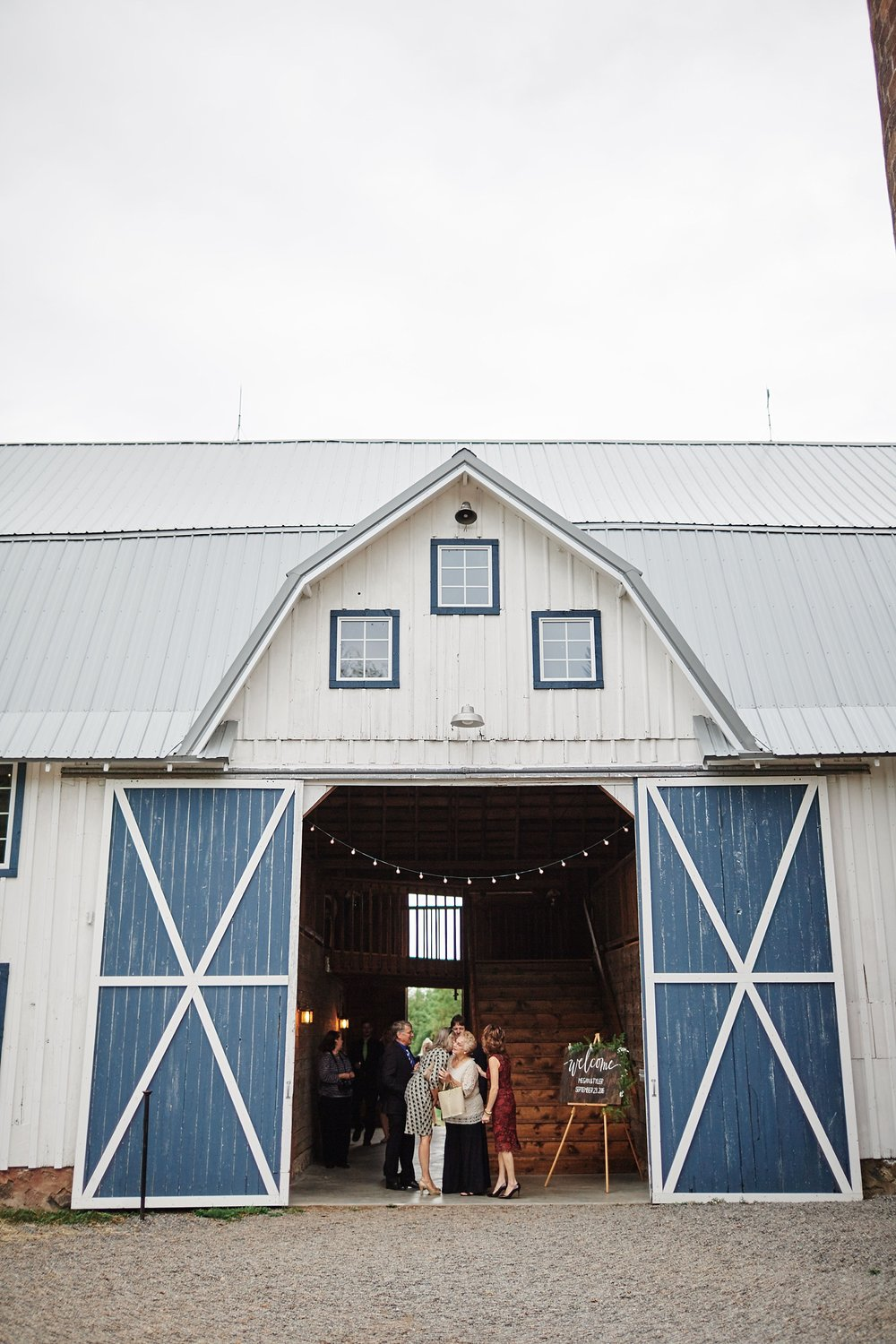 Bloom-Lake-Barn-Wedding-Schafer-Minnesota-Outdoor_0281.jpg