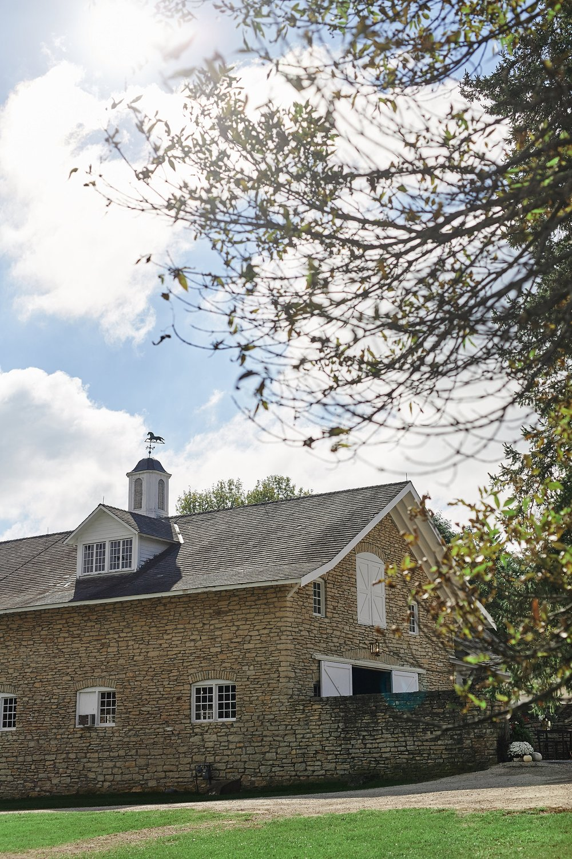 Maywood-Stone-Barn-Wedding-Rochester-Minnesota-Perry-James-Photo_0543.jpg