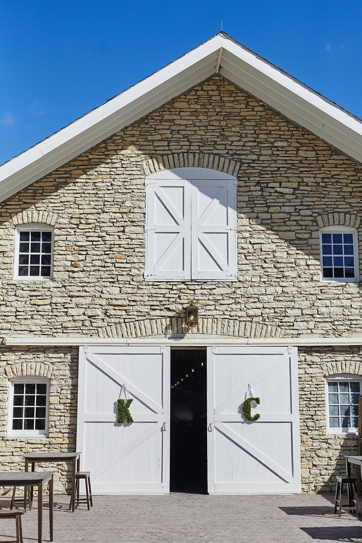 Maywood-Stone-Barn-Wedding-Rochester-Minnesota-Perry-James-Photo_0613.jpg