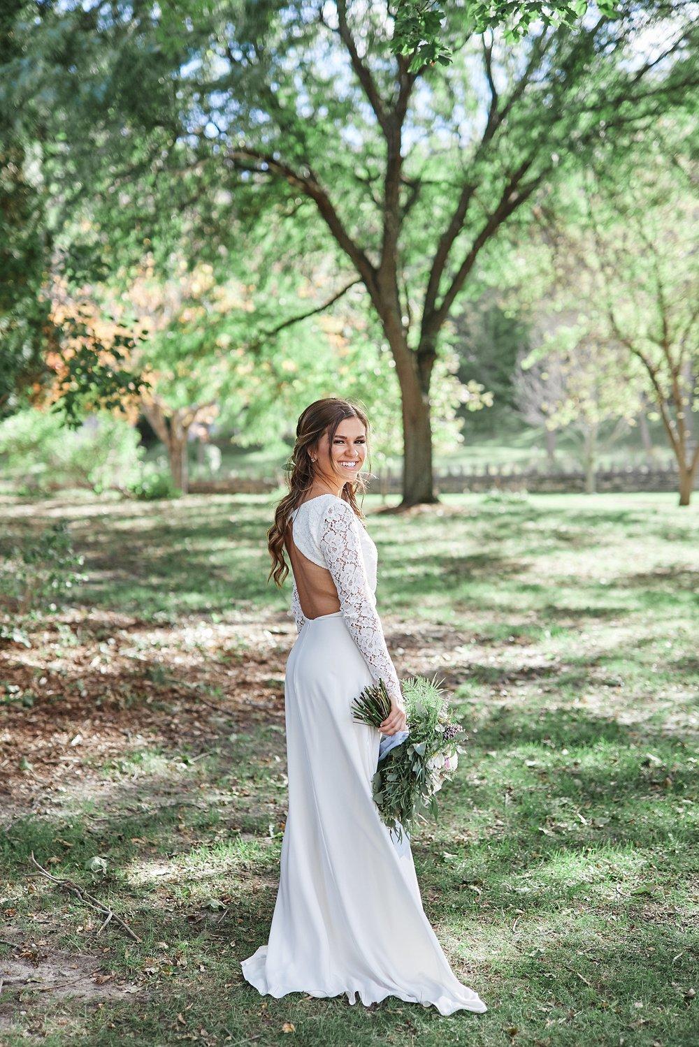 Maywood-Stone-Barn-Wedding-Rochester-Minnesota-Perry-James-Photo_0620.jpg