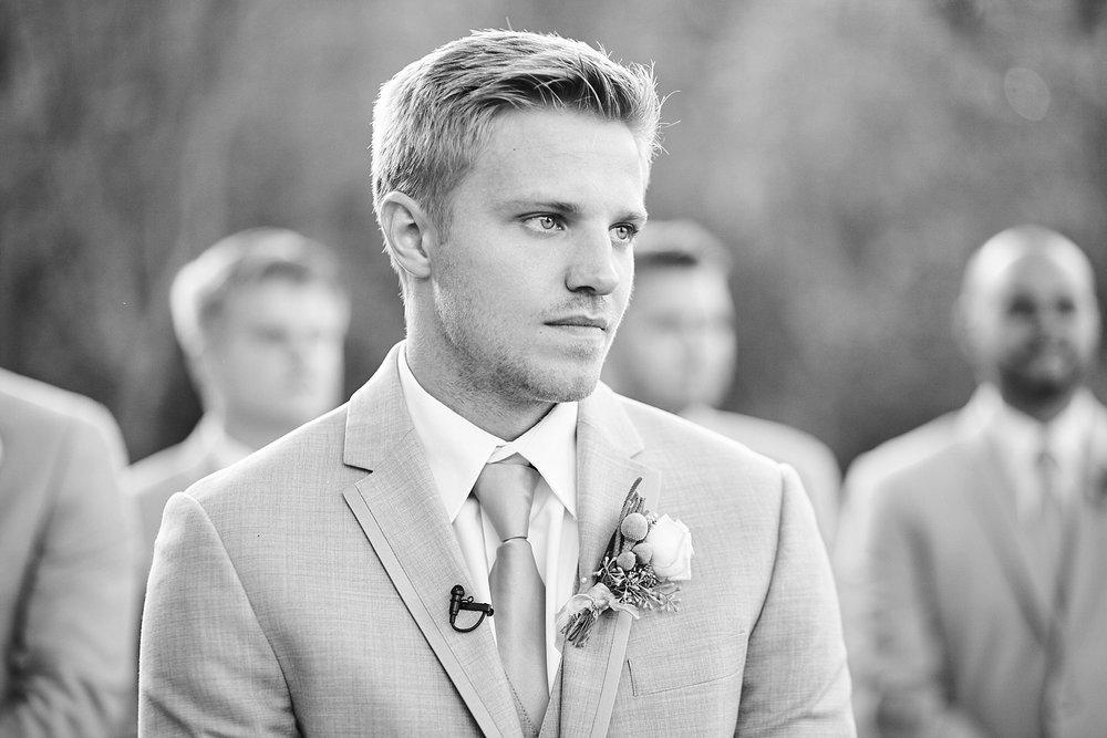 Maywood-Stone-Barn-Wedding-Rochester-Minnesota-Perry-James-Photo_0635.jpg