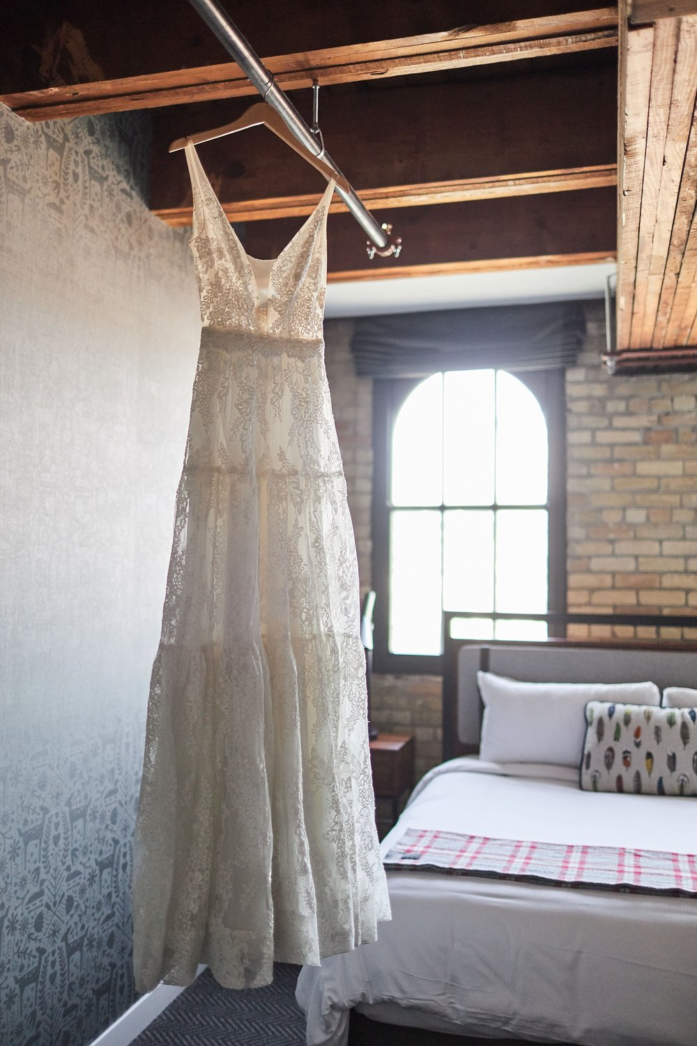 Hewing-Hotel-Minneapolis-Minnesota-Wedding-Rooftop-Bride-Engaged_1105.jpg