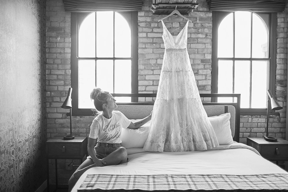 Hewing-Hotel-Minneapolis-Minnesota-Wedding-Rooftop-Bride-Engaged_1111.jpg