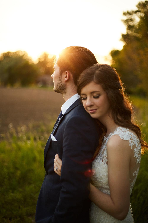 bloom-lake-barn-wedding-shafer-minnesota 2.jpg