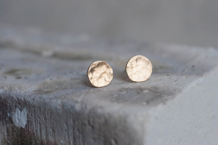 8+mm+hammered+gold+earrings-2.jpg