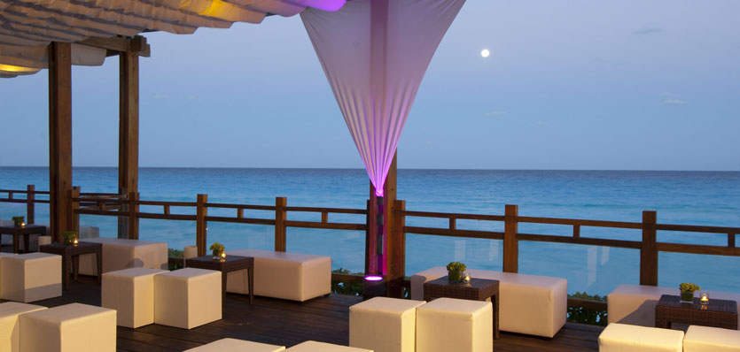 28b-me-cancun-watergrill-terrace.jpg