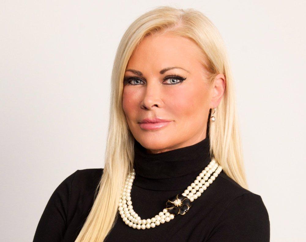 Theresa Roemer  Founder / CEO   Theresa Roemer, LLC     Karma Houston Chapter Social Chair