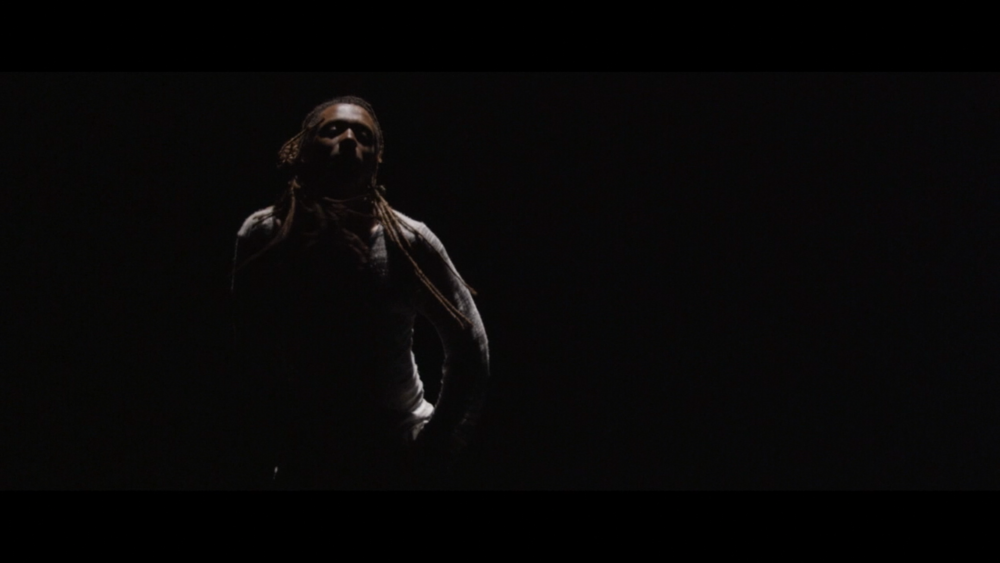 Momo Sanno | contemporary dancer | choreographer | on the edge of light and darkness1.png