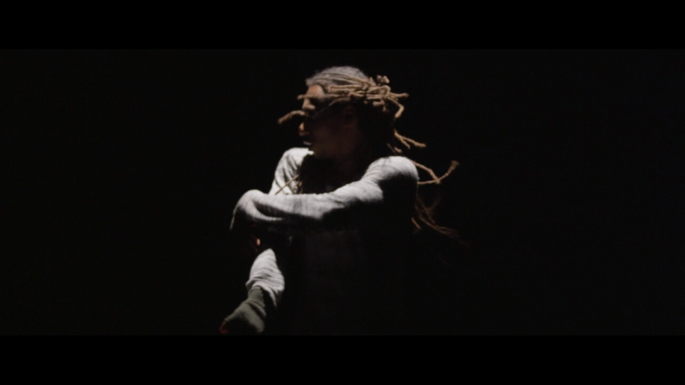 Momo Sanno | contemporary dancer | choreographer | on the edge of light and darkness3.png
