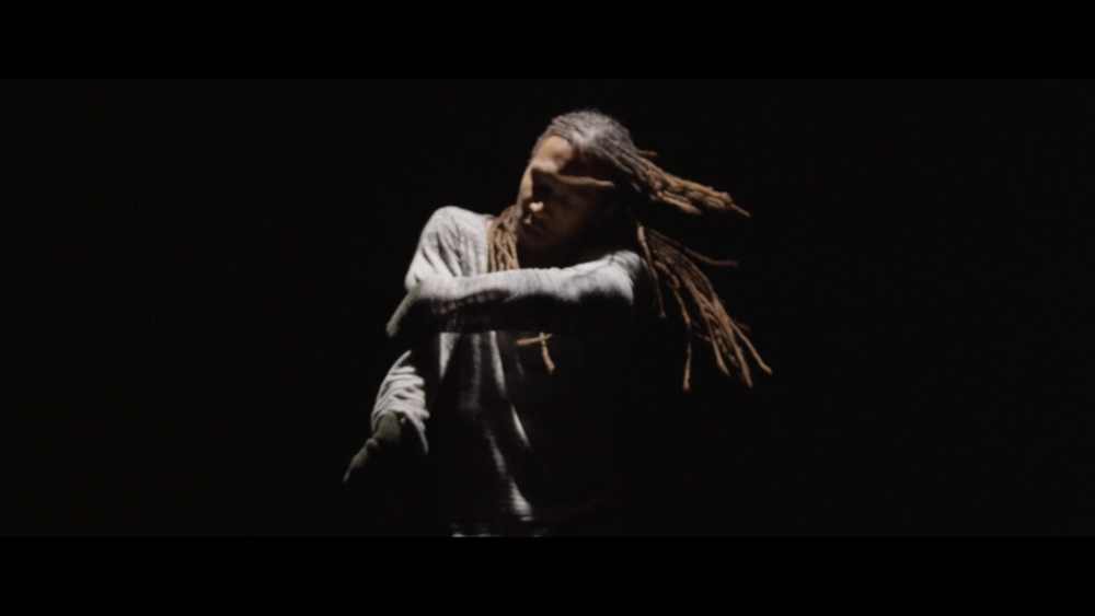 Momo Sanno | contemporary dancer | choreographer | on the edge of light and darkness4.png