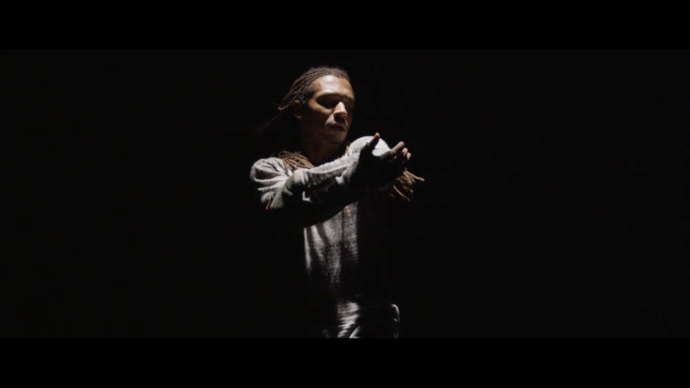 Momo Sanno | contemporary dancer | choreographer | on the edge of light and darkness5.png