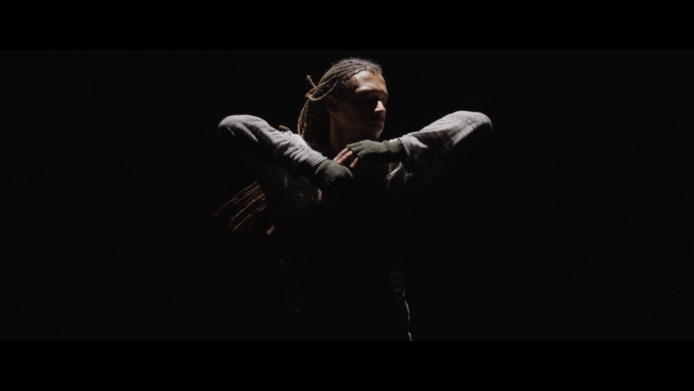 Momo Sanno | contemporary dancer | choreographer | on the edge of light and darkness6.png