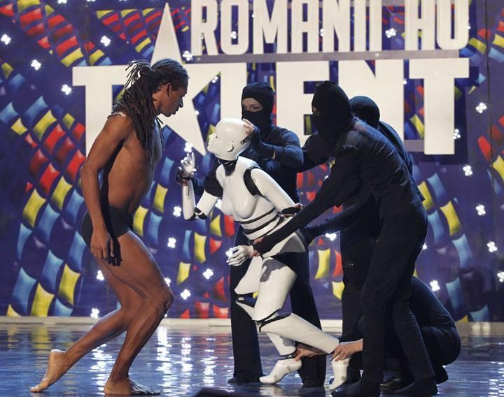 Momo Sanno | contemporary dancer | choreograher | Romania got talent show7.png