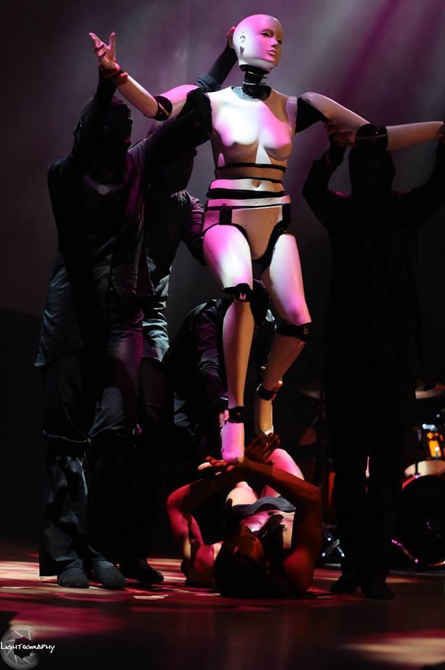Momo Sanno | contemporary dancer | choreographer | Classic meets contemporary show5.png