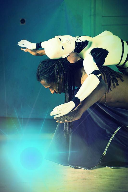 Momo Sanno | contemporary dancer | choreographer | Classic meets contemporary show18.png