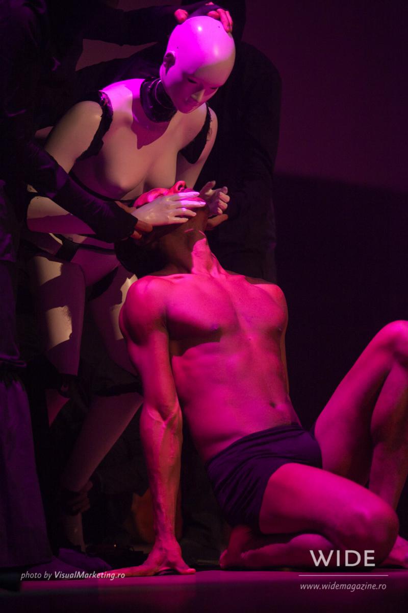 Momo Sanno | contemporary dancer | choreographer | Classic meets contemporary show21.png