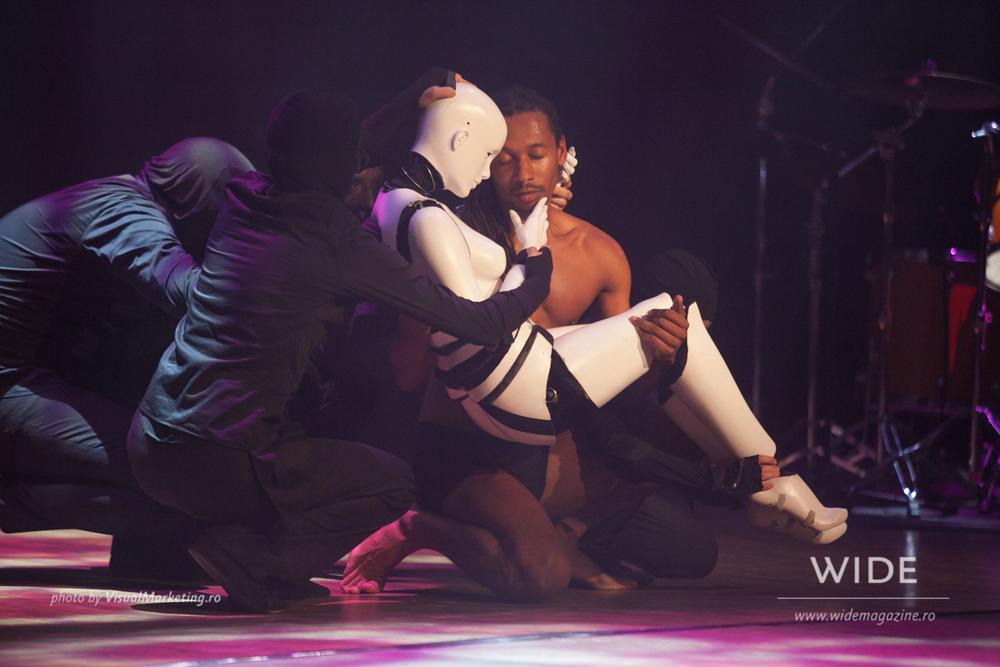 Momo Sanno | contemporary dancer | choreographer | Classic meets contemporary show23.png