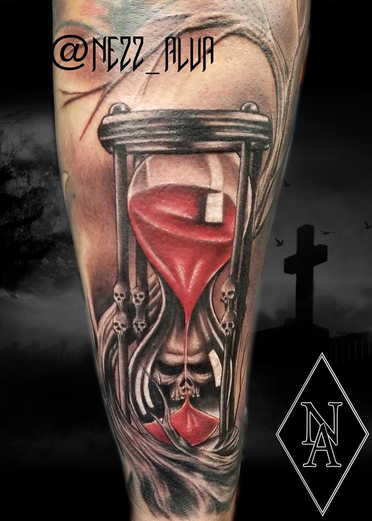 skull sand clock