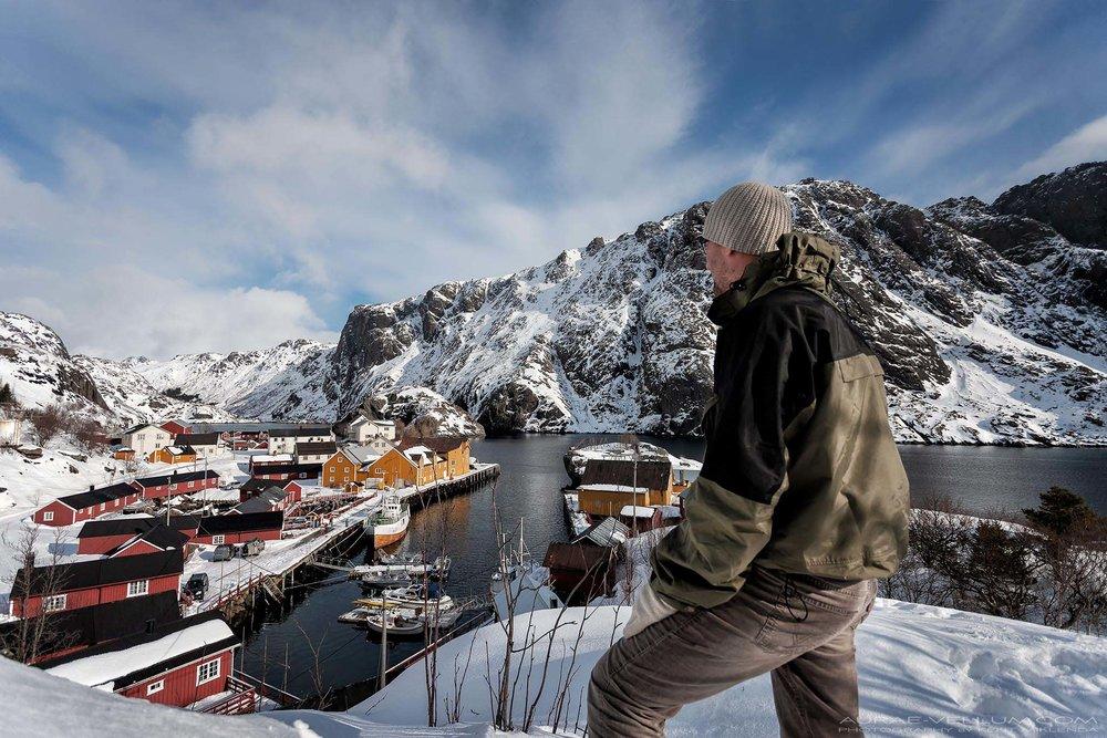 Nicolas-Jamin-journalist-looking-over-Nusfjord-photo-by-Kent-Miklenda-2048x1365-AVKM.jpg
