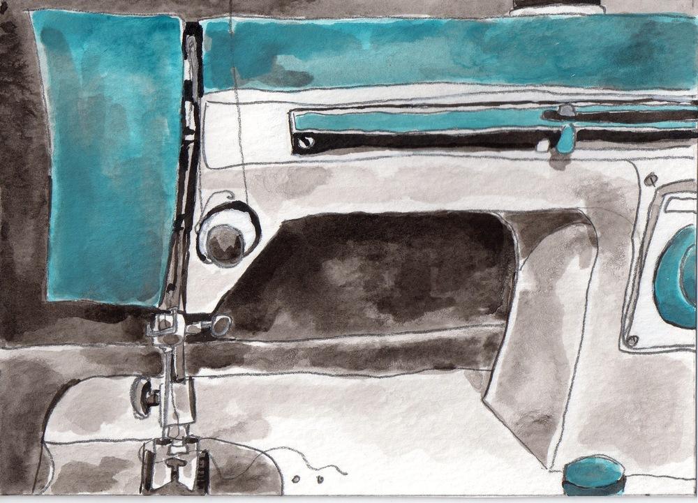 Meisa Vintage White Sewing Machine.jpg
