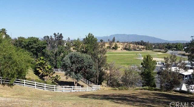 In Escrow. Over an acre lot in Temecula. #newconstruction #temecula #realestate #rodeorealty #builder #realtor #buyorsell