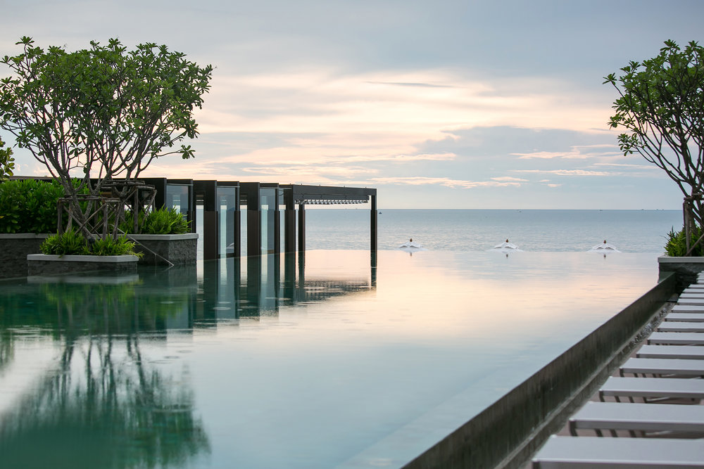 Renaissance Pattaya Resort _ Spa - Sunset Pool.jpg