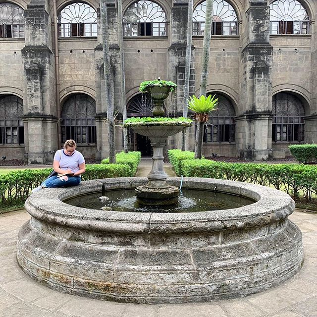 When you get more excited about the turtles in the San Augustin church courtyard than anything else in the building and have to stop and quick-contour them. 🐢🐢🐢🐢🐢🐢🐢🐢🐢🐢🐢#TessaRoseTravelArt