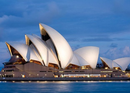 EXPRESSIONIST:  Jørn Utzon, Sydney Opera House, Sydney, Australia, designed 1957, completed 1973. Photo by Hemis. Alamy.
