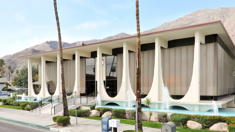 coachella valley savingse-stewart-williams-bank-mid-century-palm-springs-modernism-week_dezeen_hero-1704x959.jpg