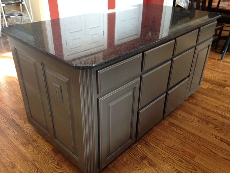 Distressed Charcoal Island