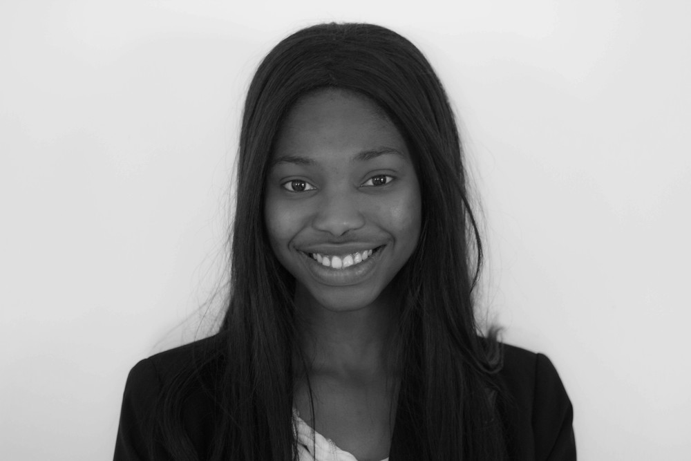 Bobola Olayinka - Human Resources Assistant    Bobola is also an HR assistant at Sandpearl Mobile Spa. She is a student at the University of Calgary majoring in Human Resources and Organizational Development in the Haskayne School of Business. Born in Nigeria, she moved to Calgary at the age of 5 and has been thriving here ever since. In her spare time, Bobola loves to play sports, binge watch her favorite TV shows, and indulge in the occasional dose of retail therapy. Bobola values having a healthy, balanced lifestyle and is happy to see that Sandpearl Mobile Spa is dedicated to helping Calgarians achieve this. She is excited to kick start her HR experience with Sandpearl and its amazing team!