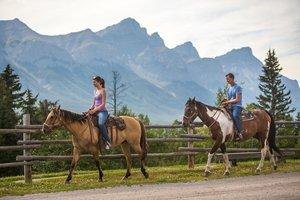 Horseback_Riding_at_Cross_Zee_Ranch.jpg