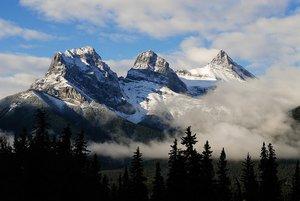 Three-Sisters-Mountain-downsaved.jpg