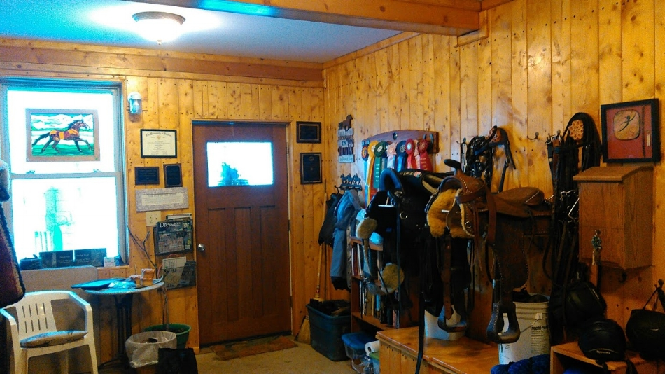 Laurelin farm tack room