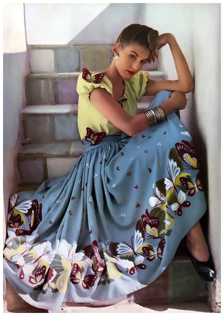 If you read Joanna Van's blog, Dividing Vintage moments, you might recognize this image - she was lucky enough to get her hands on a skirt made from the same fabric!