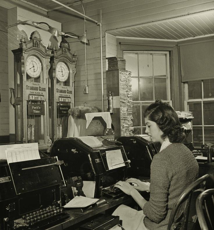1951-Model-Secretary-look-Peter-Stackpole-Life-Magazine6.jpg