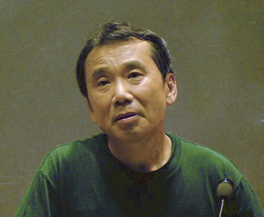 Haruki Murakami giving a lecture at the Massachusetts Institute of Technology in 2005. Photo:  wakarimasita .  CC BY-SA 3.0 .