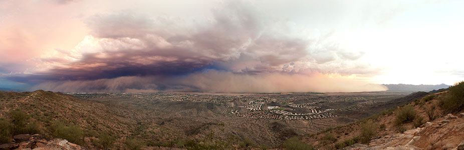 A haboob (dust storm) over Phoenix in 2011. Photo by Alan Stark, CC BY-SA 2.0.