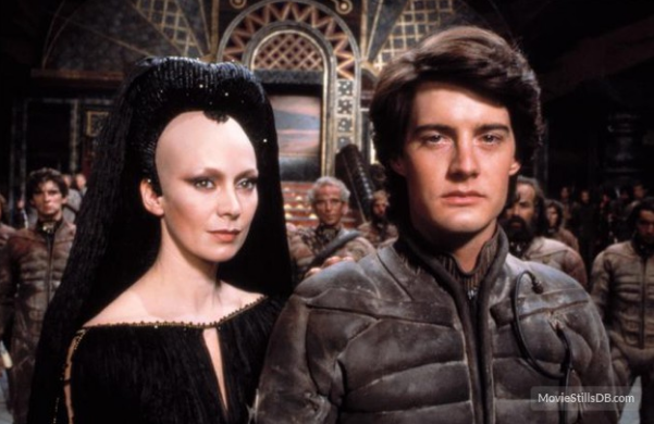 Kyle MacLachlan as Paul Muad-dib Atreides supported by his mother, Jessica. Publicity still from the Universal Studios movie.