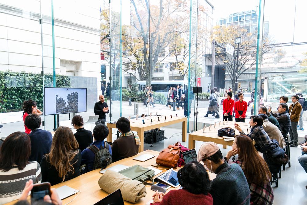 Apple Store,Omotesando (c) Kensuke Tomuro