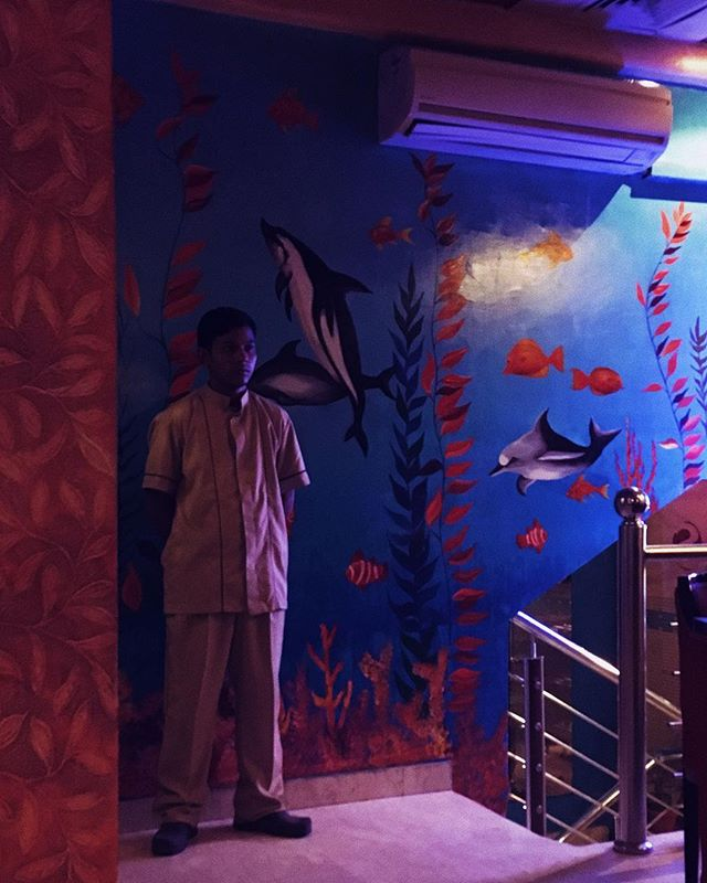 🦈🐟🐋why don't restaurants have aquariums anymore? 🦀🦑🦐