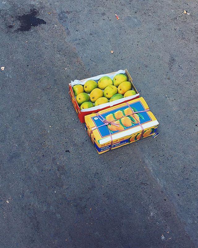may / may not  have had:  my mumbai mango mirage moment !! 🥭✨ #alwaysalliterating #lostandfound #bombay #theeyeseeswhatitwantstosee #mangoes