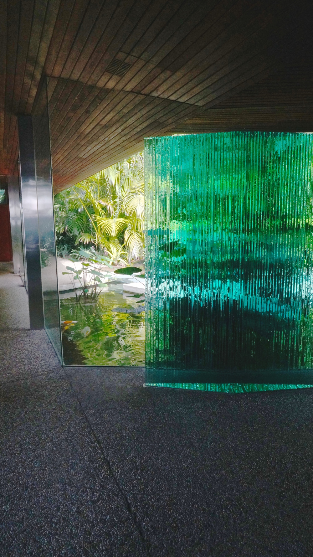 sheats-goldstein-residence-entrance.jpg