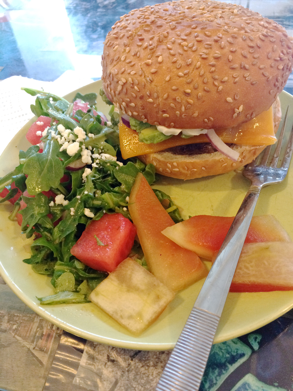 blue-apron-cheeseburger.jpg