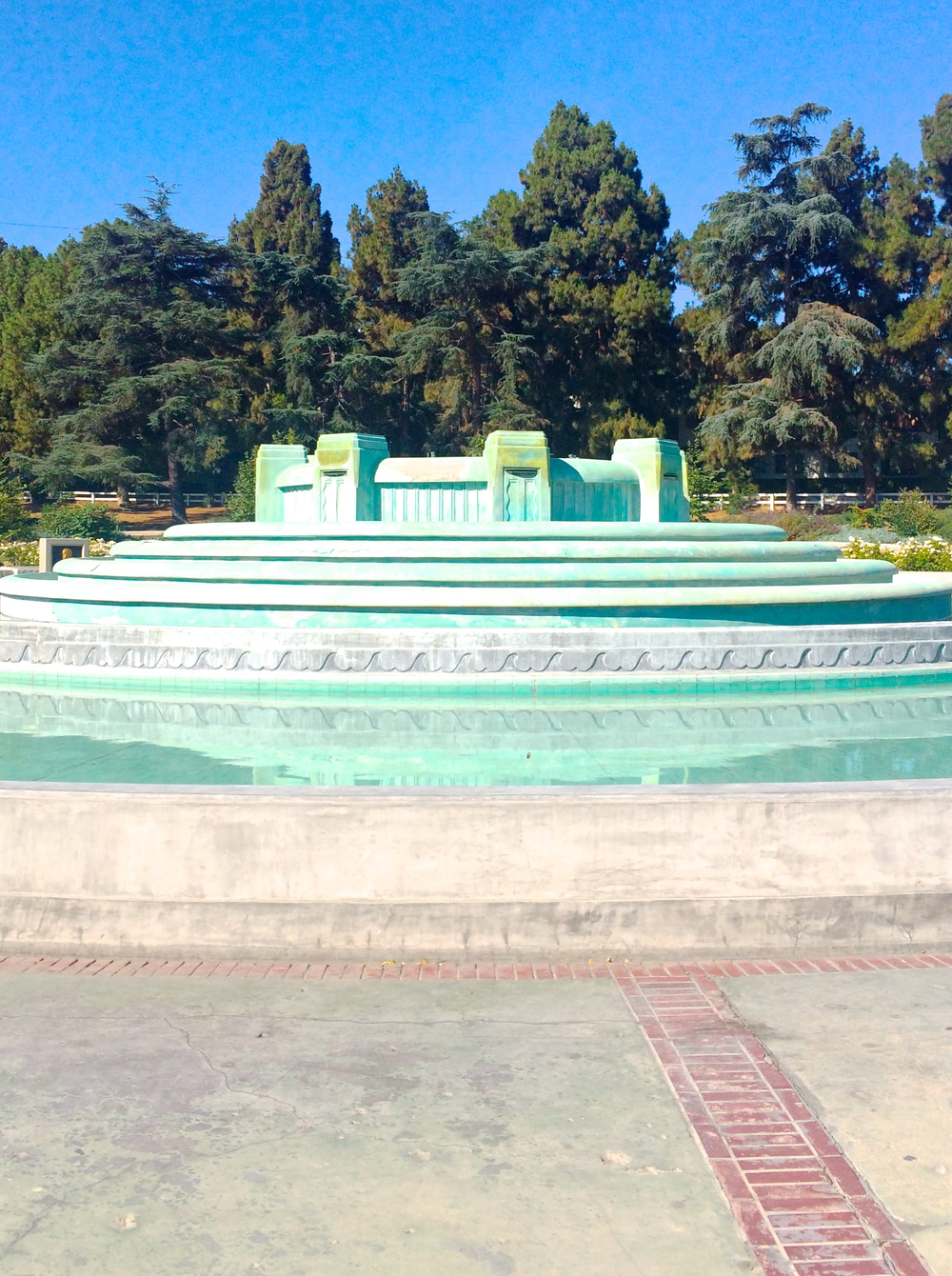 los-feliz-art-deco-fountain.jpg