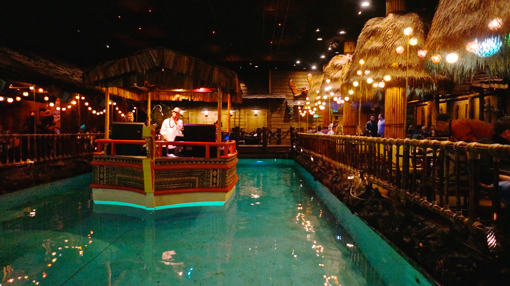 tonga-room-hurricane-bar-barge.jpg