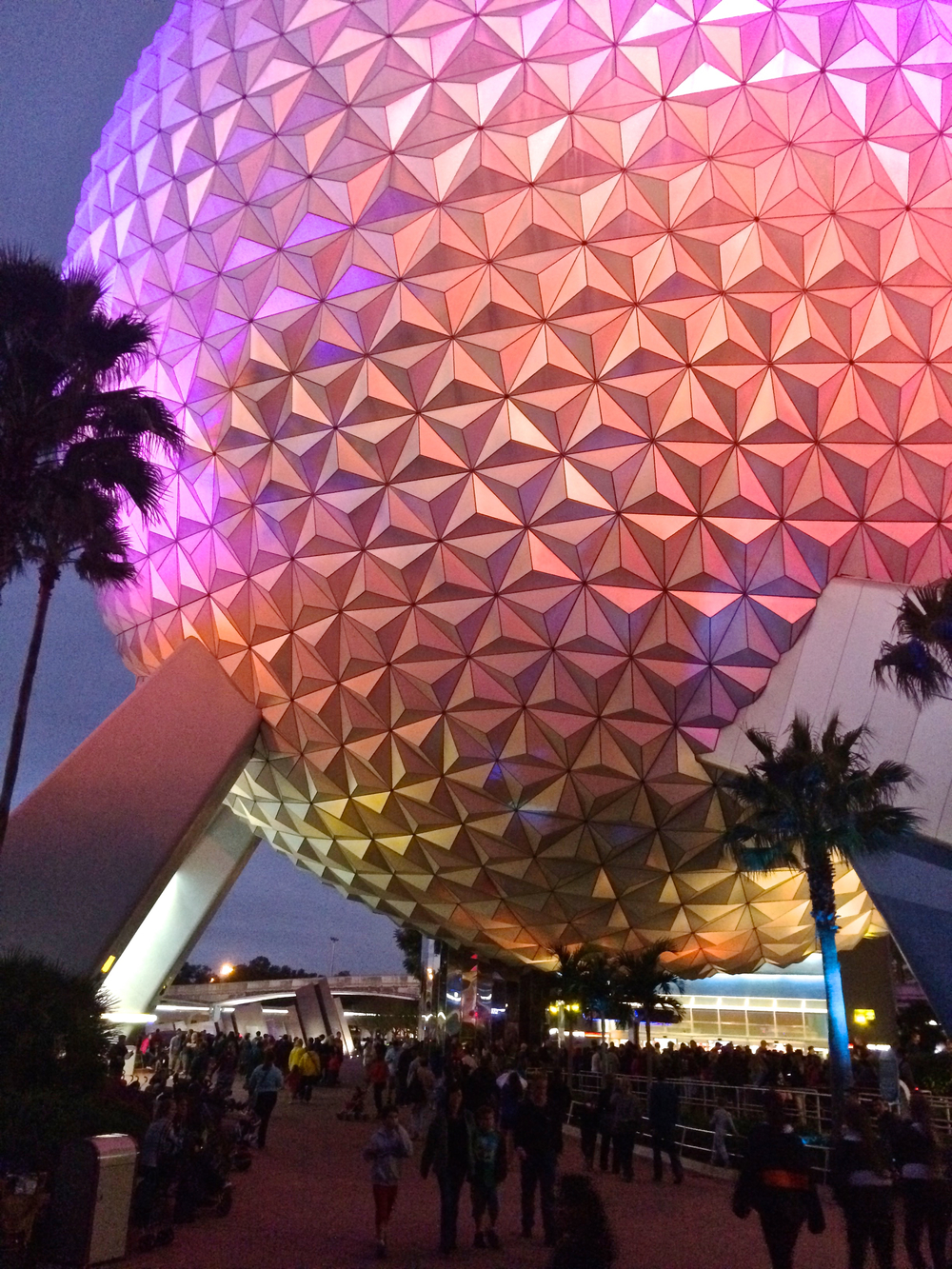 epcot-spaceship-earth-disney-world.jpg